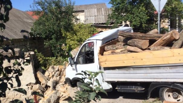 Следовавший из Севастополя пассажирский автобус врезался в ГАЗель