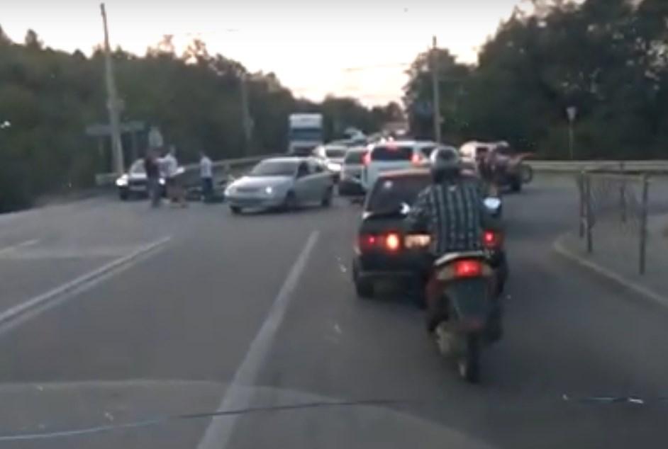 В ДТП в районе Лозового пострадал байкер
