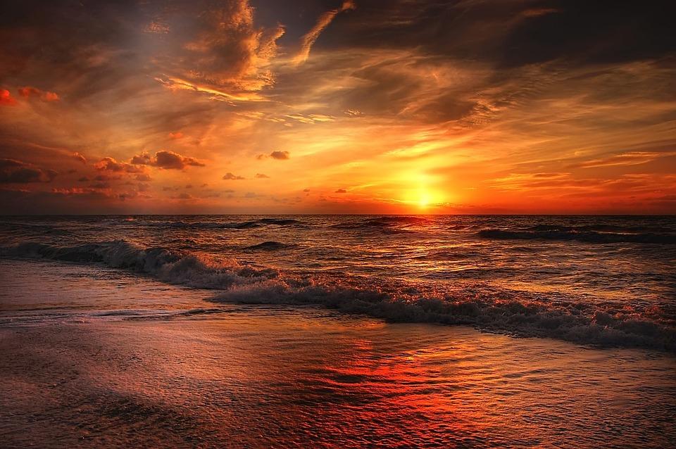 ТОП-6 самых теплых пляжей Крыма для осеннего отдыха