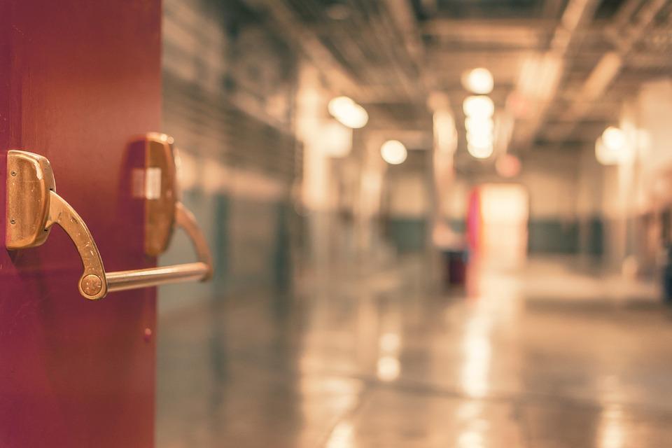 Искали два дня волонтеры и полиция: житель Красноярского края заблудился в больнице