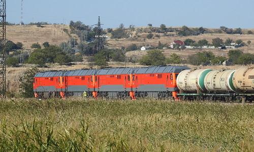 В Крым доставили новые локомотивы