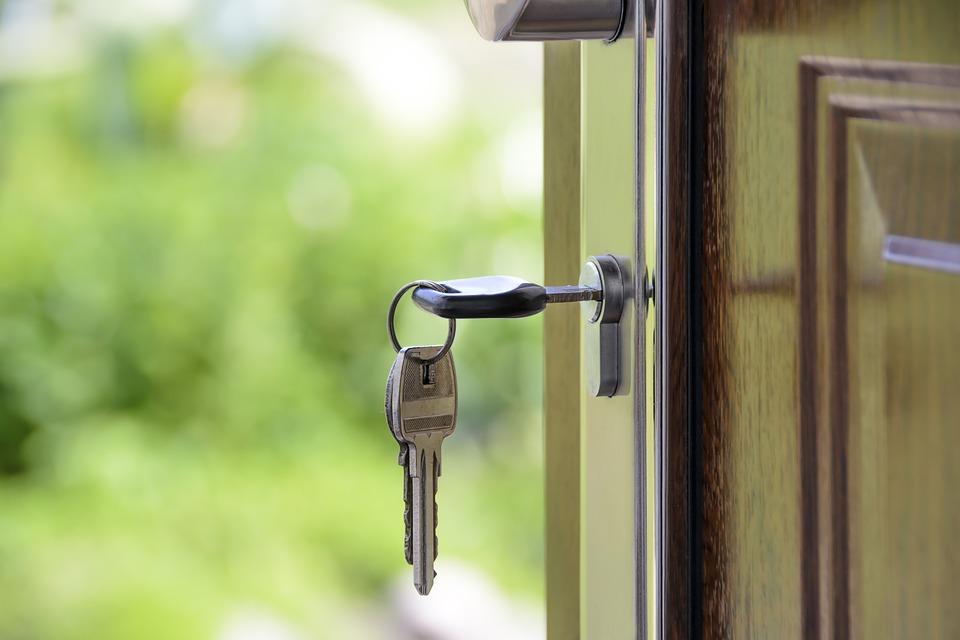 Женщина три дня не могла выбраться из квартиры в Крыму