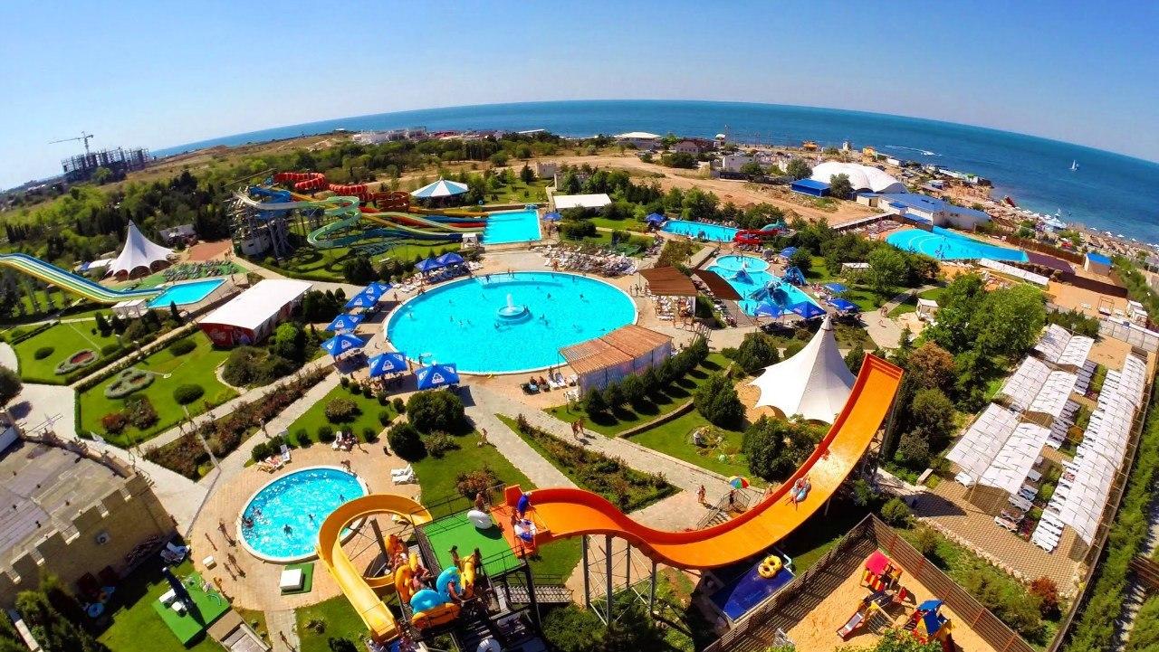 «До свидания, лето!»: севастопольские школьники бесплатно посетили аквапарк