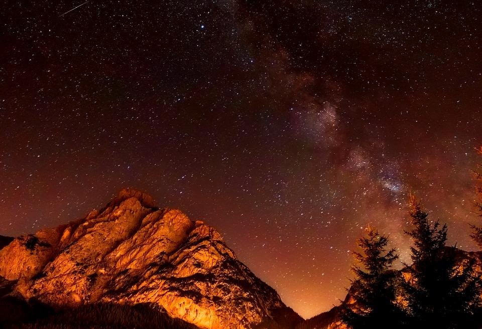 В Крымских горах ночью эвакуировали 37-летнего туриста