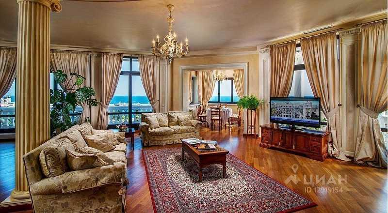 Дворцовая классика: риелторы рассказали о самой дорогой квартире в Крыму