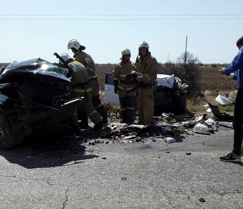 В ДТП на крымской трассе погибли три человека