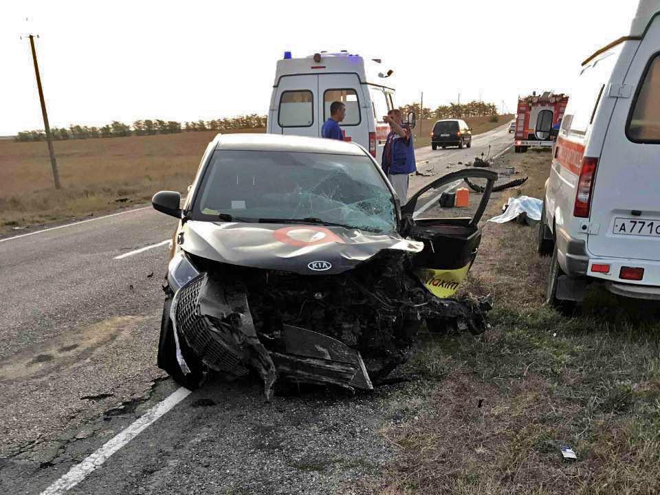 На трассе в Крыму погиб водитель ВАЗа