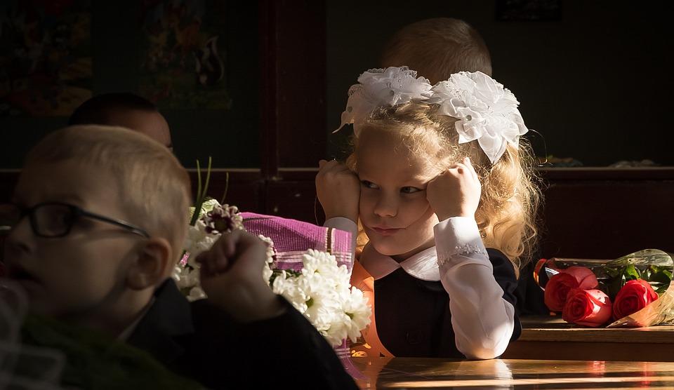 Севастопольские школьники начали изучать украинский язык