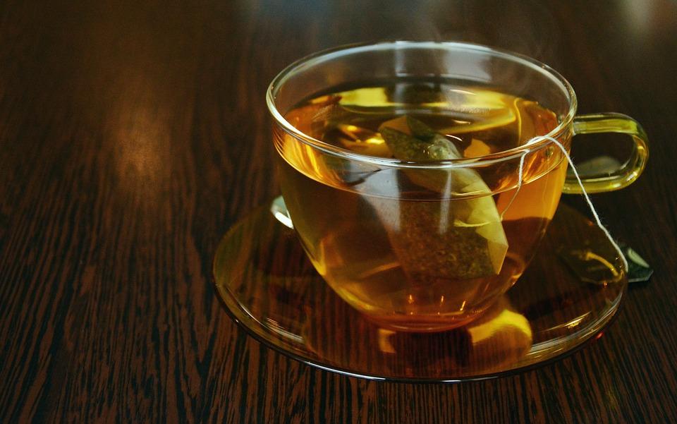 Ученые назвали опасность чайных пакетиков