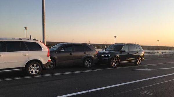 В массовом ДТП на «Тавриде» разбился BMW крымского миллионера