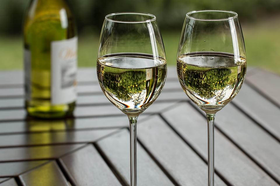 Роскачество дало рекомендации по выбору белого вина