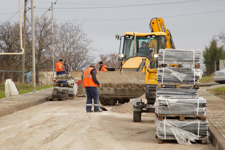 В Севастополе оштрафуют подрядчиков, срывающих ремонт дорог