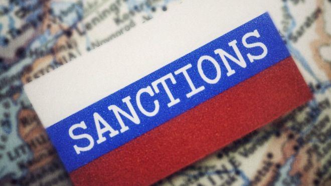 Запад призывает снять санкции с Крыма