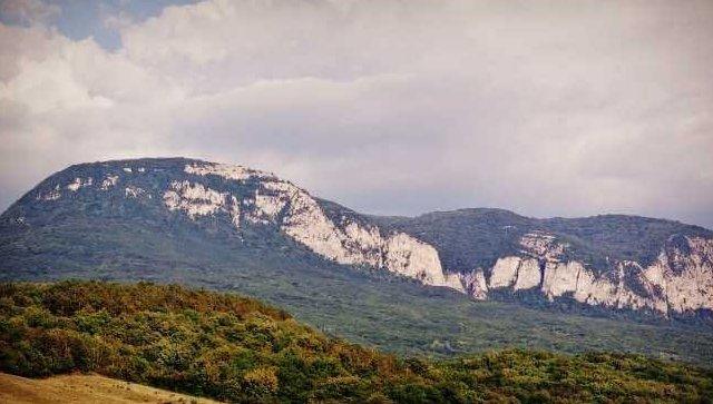 В Крыму спасатели вызволяли семерых туристов с обрыва