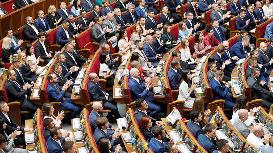Как Порошенко: в Раде осудили тактику Зеленского по урегулированию конфликта на Донбассе
