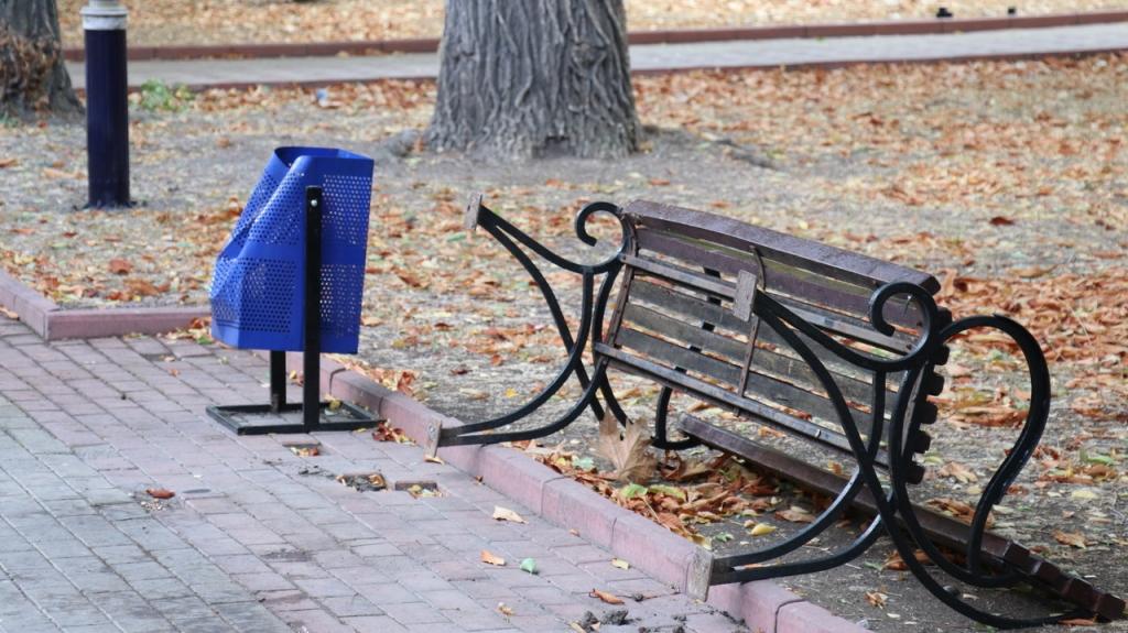 Вандалы устроили погром на улицах Феодосии