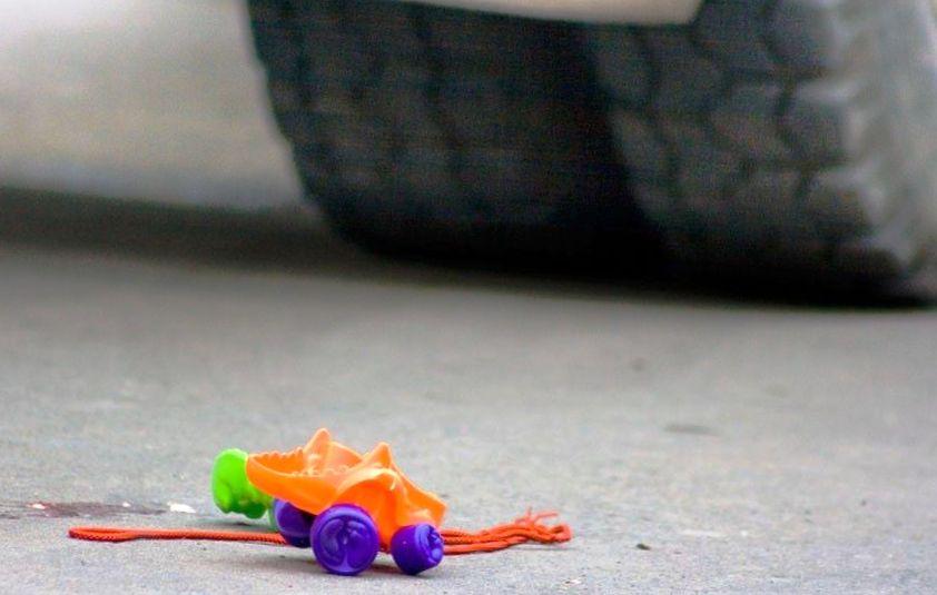 В Крыму автомобилист на ВАЗе сбил двух детей