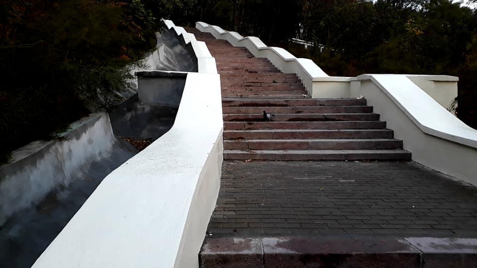 лестницу