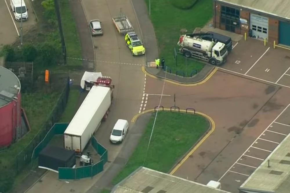 В Великобритании обнаружили грузовик с 39 трупами