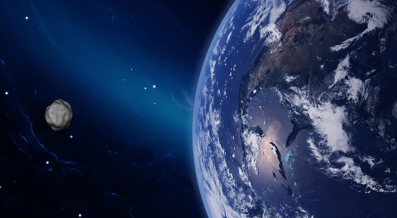Диаметром в 1 км: в NASA сообщили о приближающемся к Земле гигантском астероиде