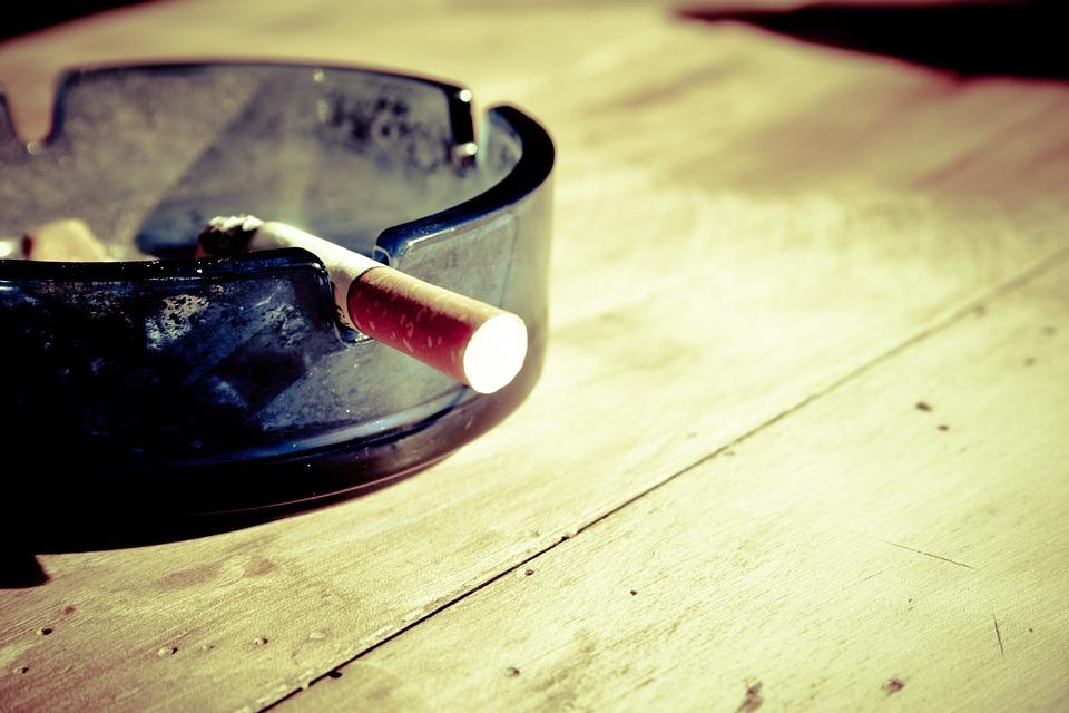 Ученые назвали продукты, которые мешают бросить курить