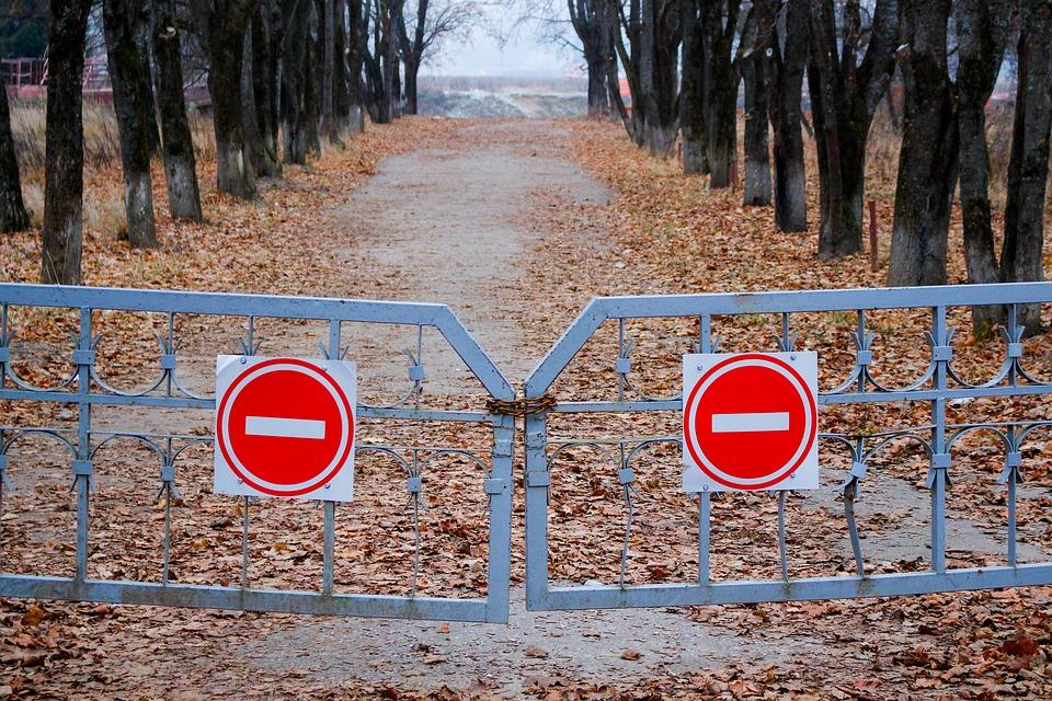 В Севастополе полностью закрыли улицу для движения транспорта