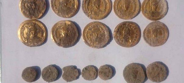 На берегу Черного моря нашли древний клад с золотыми монетами