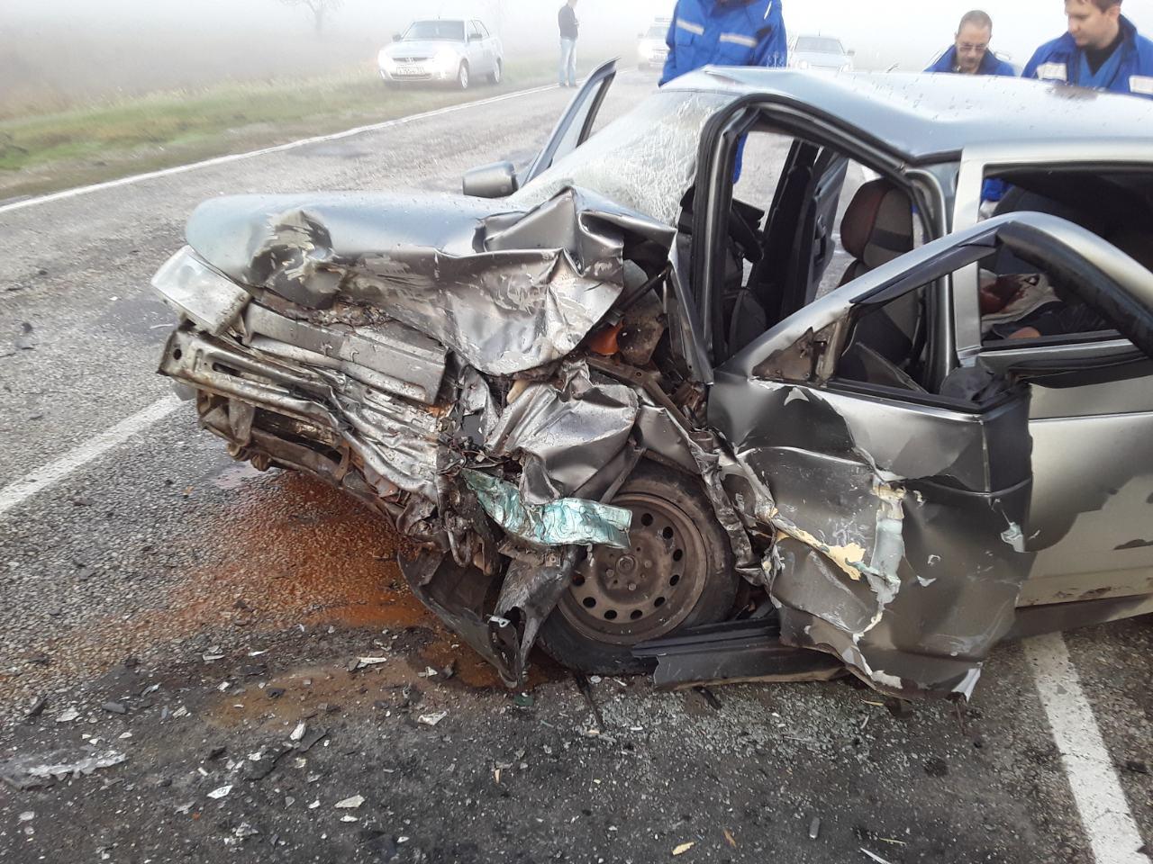 Погибший и четверо пострадавших: подробности страшного ДТП в Крыму