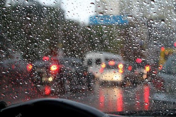 Российских водителей предложили запретить штрафовать в непогоду