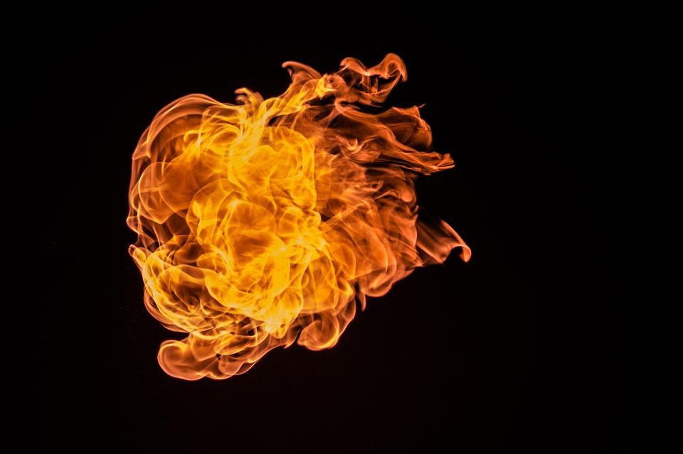 В Крыму на пожарах погибли два человека