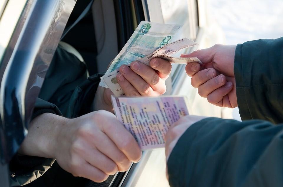 Севастопольских полицейских осудили за взятки от водителей