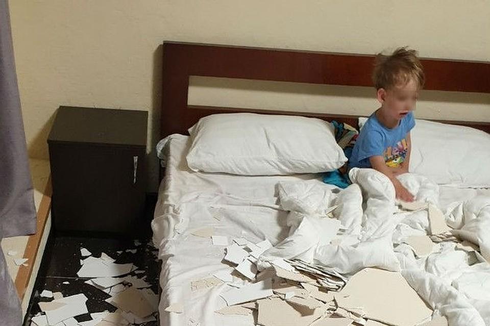 На крымских туристов рухнул потолок хостела