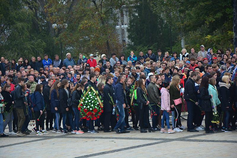 Год спустя. В Крыму вспоминают жертв Керченской трагедии