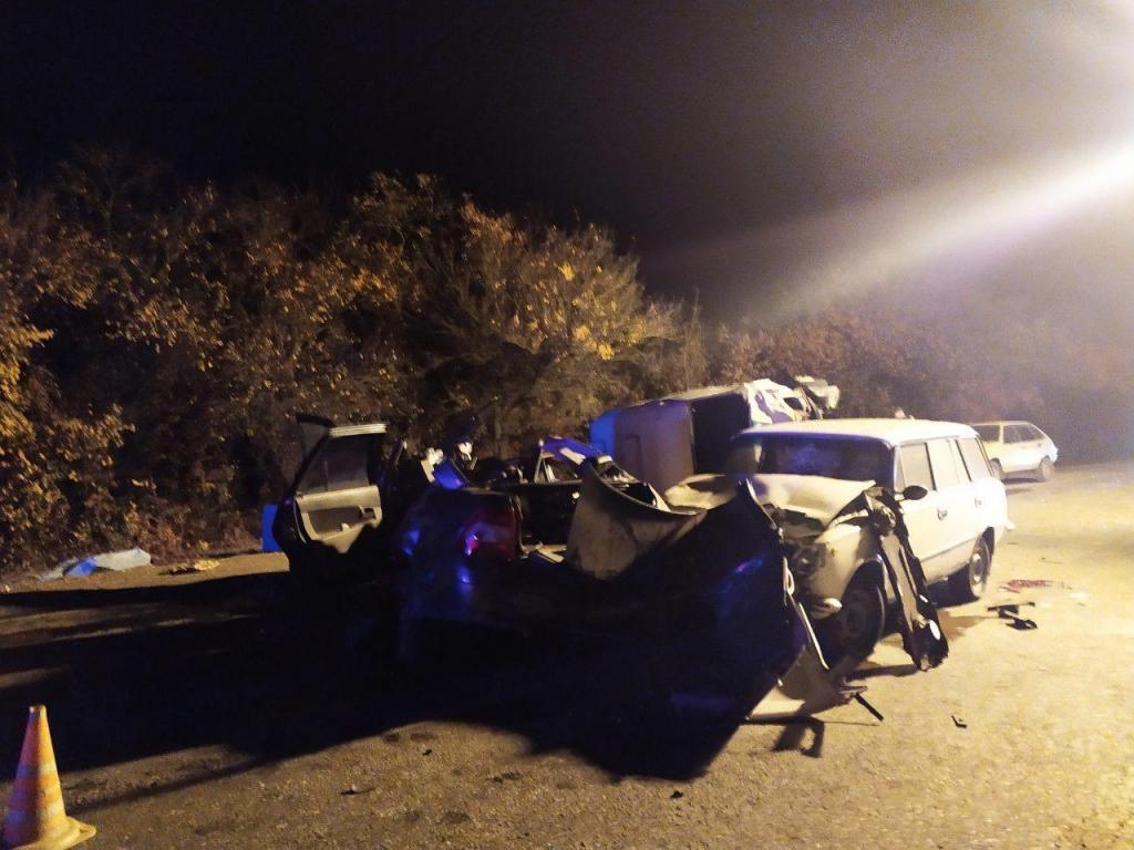 Полиция разыскивает свидетелей тройного ДТП с двумя погибшими