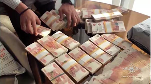 В Москве задержали подозреваемую в выводе миллиарда рублей за границу