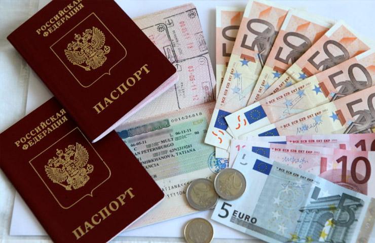 Севастополец оформлял морякам «липовые» Шенгенские визы