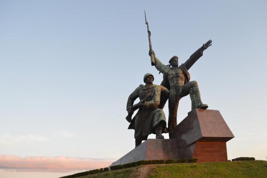 У Вечного огня на мысе Хрустальном в Севастополе поручили установить видеокамеру