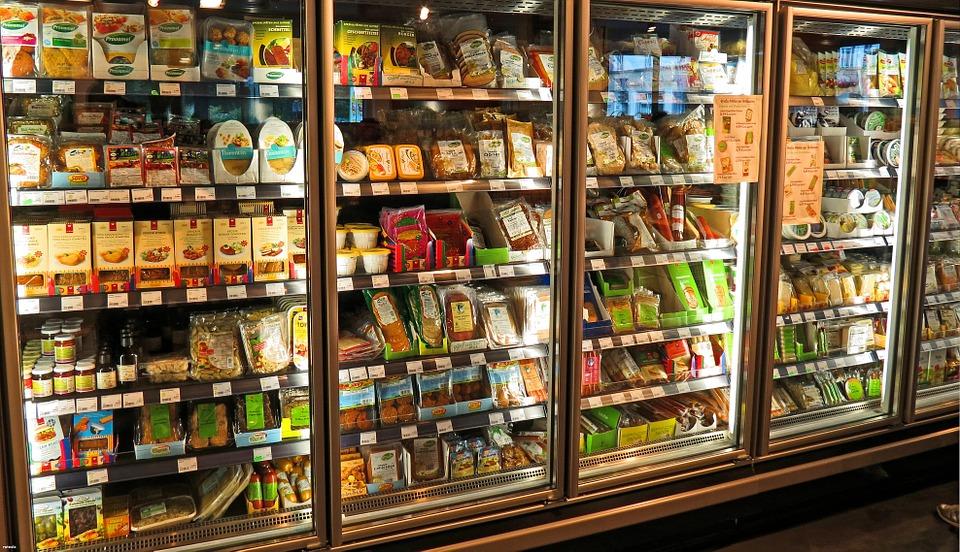 Точка в споре: блогер сравнил цены на продукты в России и Украине