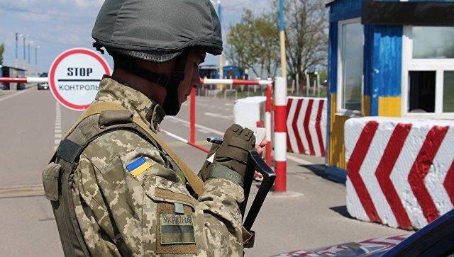 На границе с Крымом попытались захватить автостанцию