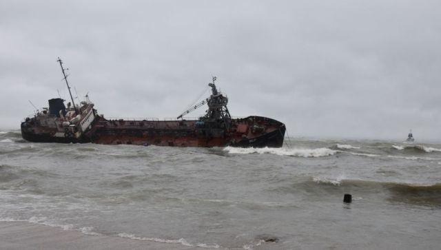 Концентрация нефти в море возле Одессы превышена в 157 раз. Какие угрозы для Крыма?