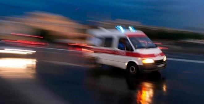 В Крыму молодого мужчину сбили сразу два автомобиля
