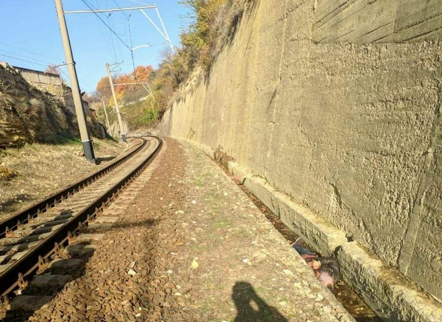 Возле железной дороги в Севастополе нашли труп мужчины