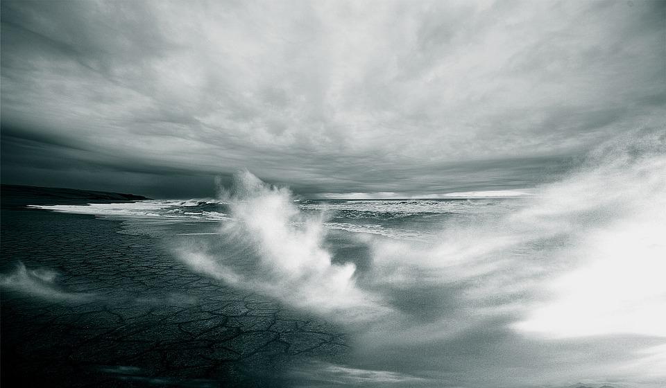 Завтра на Севастополь обрушится сильный ветер