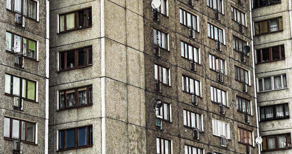 В Ялте пенсионер убил приятеля, случайно сбросив его с балкона