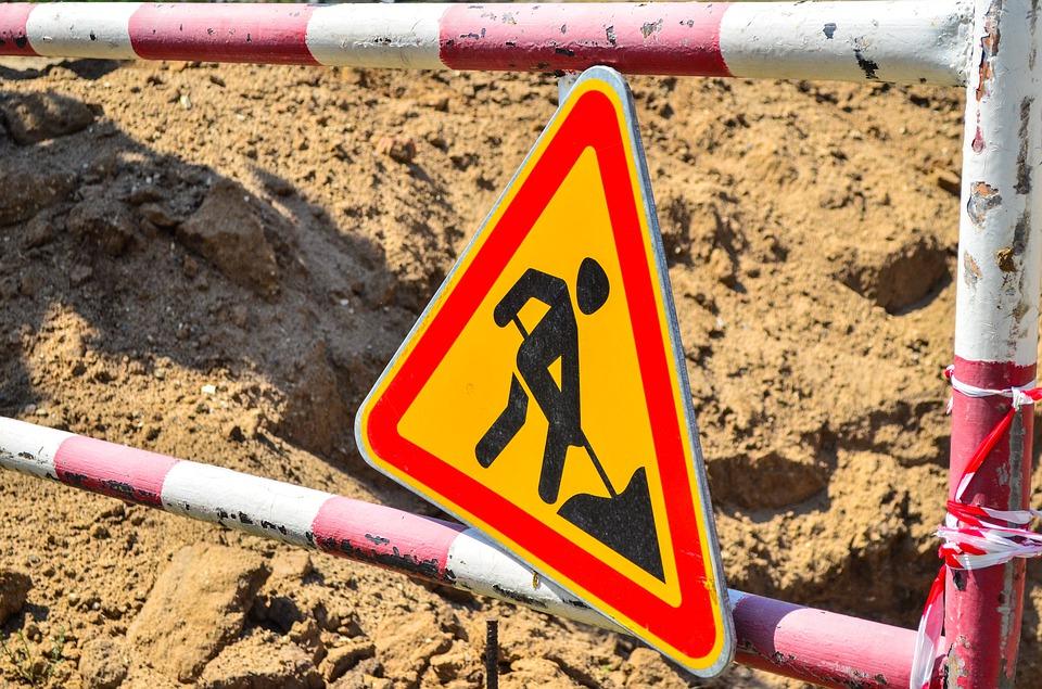 В Севастополе из-за ремонта полностью закрыли улицу для транспорта