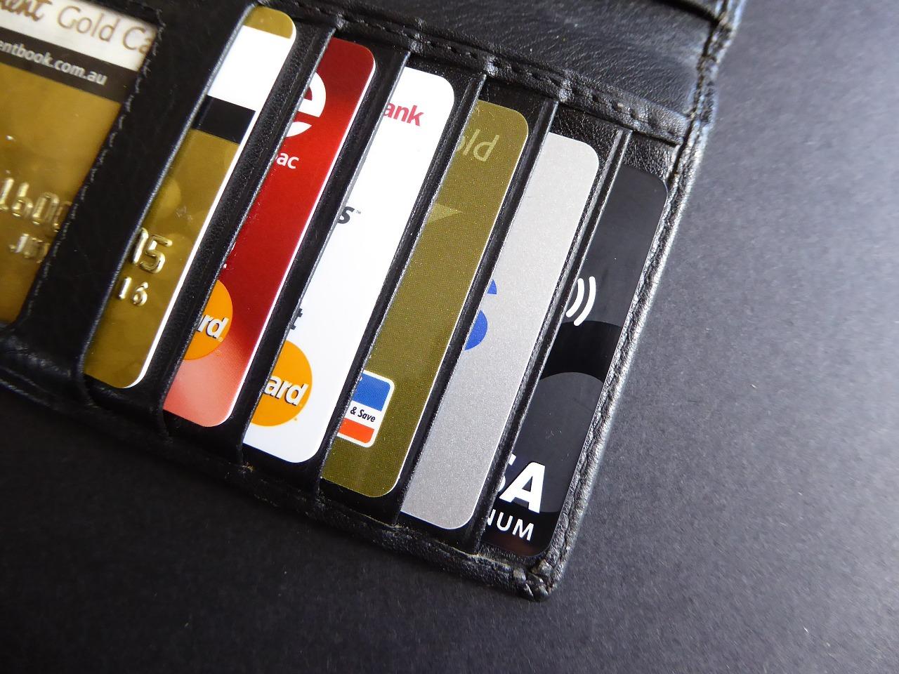 Севастопольцы стали в два раза чаще расплачиваться с помощью банковских карт