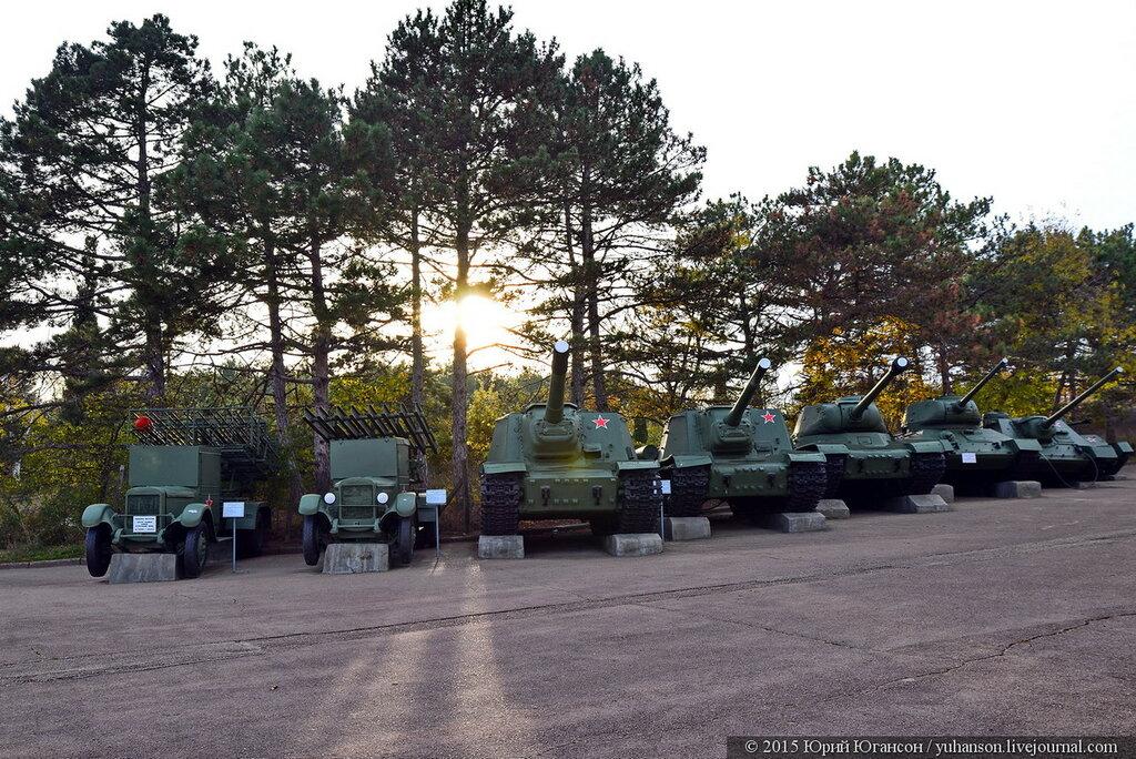В Севастополе с Сапун-горы забирают всю военную технику