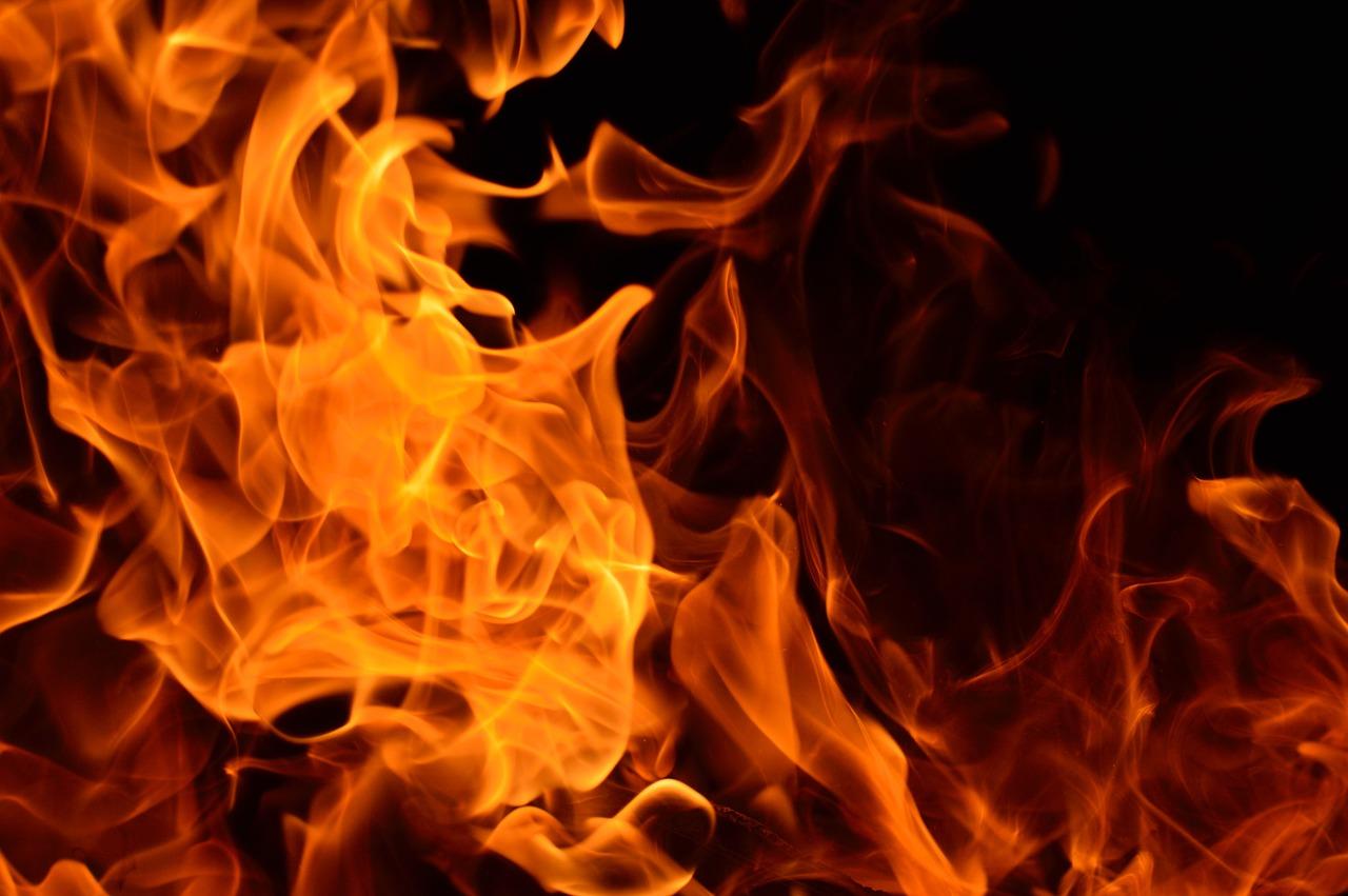 На пожаре в морге Алушты найден труп женщины