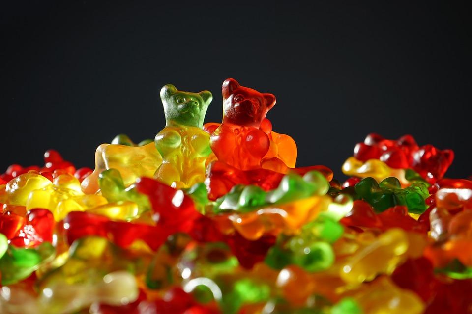 Диетолог объяснила, почему опасно отказываться от сладкого