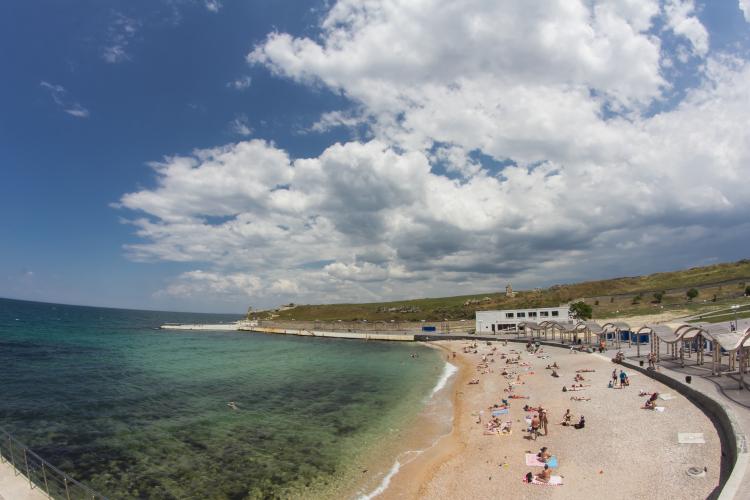 Три пляжа в Севастополе остались без операторов
